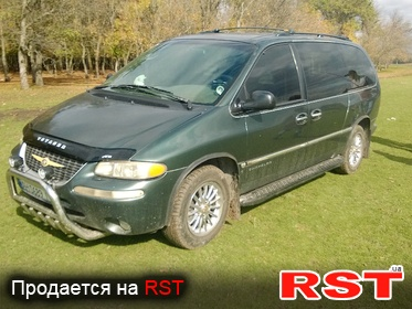 CHRYSLER Town Country , обмен 1999